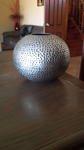 Martinvale metal vase Merrylands Parramatta Area Preview