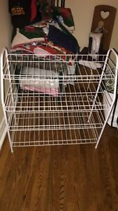 Shoe rack barely used