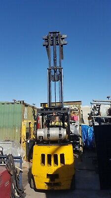 Yale 5000 Lb Cap Forklift With Triple Mast And Side Shift Model Clg050rdnuae083