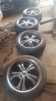 """18"""" Commodore Rims and Tyres"""