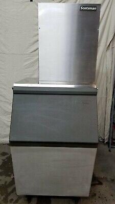 Scotsman 1200 Lb. Flaker Ice Machine Head With 500 Lb. Storage Bin