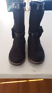 Girls size 8 Boots $10 Highland Park Gold Coast City Preview