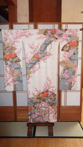 Japanese Vintage Furisode Kimono Shibori -like Design Fans & Flowers
