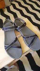 Womans Teva sandels eu 40 Dickson North Canberra Preview