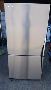Westinghouse 510 liter fridge Sumner Brisbane South West Preview