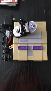 SNES Super Nintendo + 1 controller and cables