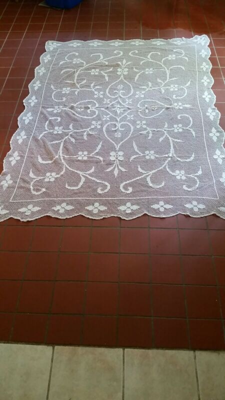 Vintage Crochet Cotton Lace Tablecloth or Bedspread Cream White  Clean very Nice