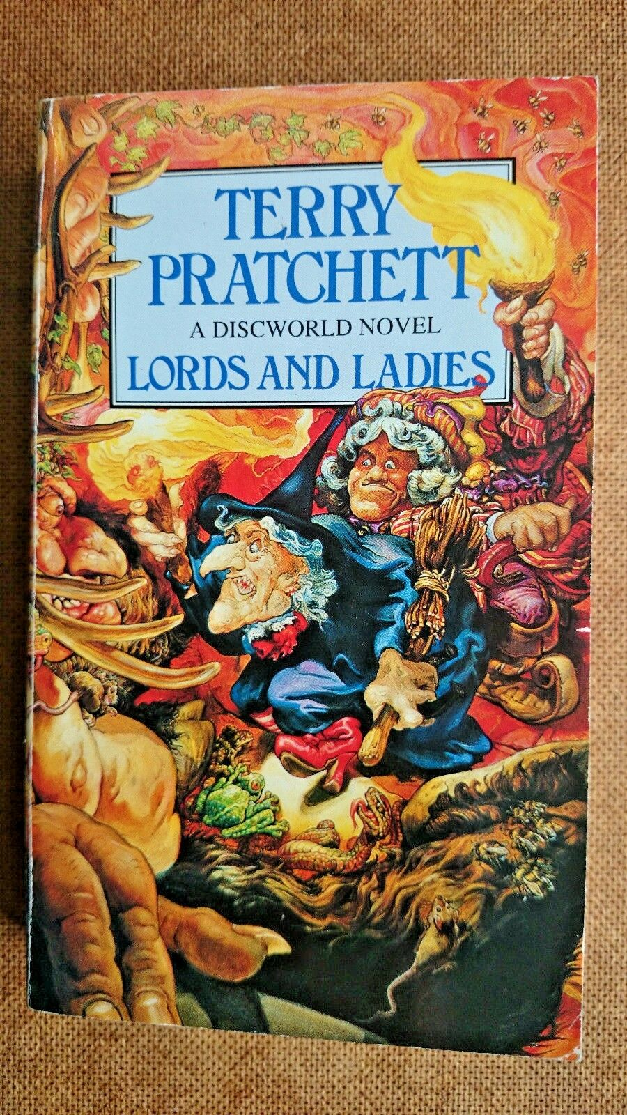 Terry Pratchett   Lords and Ladies Signed!!