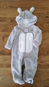 PETER RABBIT SIZE 0 ONESIE Mango Hill Pine Rivers Area Preview
