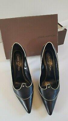 Louis Vuitton escarpins noirs / black shoes