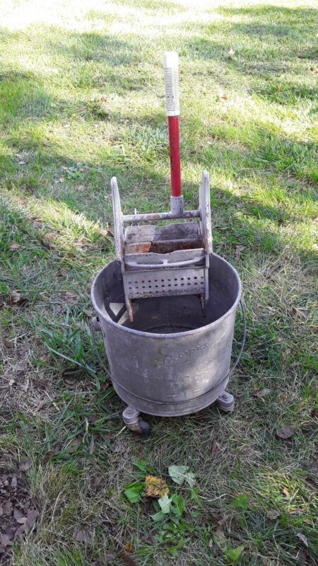 Vintage Geerpres Floor Knight Mop Bucket - 4 Gallon on Casters Galvanized Nice