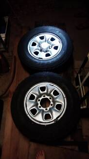 NEAR NEW HILUX TYRES & RIMS