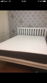 FREE DELIVERY QUEEN MATTRESS AND BASE IN EXCELLENT CONDITION
