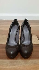 Womens Dark Brown Stiletto Shoes - Size 7 - UNUSED Carlton Melbourne City Preview