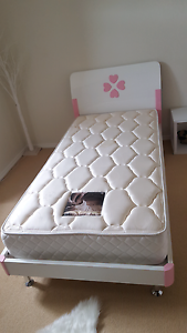 Girls Solid Timber Single Bed With Matress Valentine Lake Macquarie Area Preview