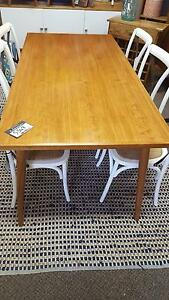 New Retro dining table $349  PerFurEmp Midland Swan Area Preview