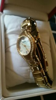 Pulsar ladies watch mother of pearl face never worn new in box