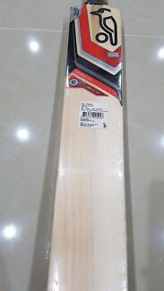 Kookaburra Cadejo 200 *STUNNING GRAINS* English Willow Bat