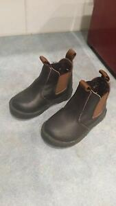 Leather elastic sided boots size 1 Cardiff Lake Macquarie Area Preview