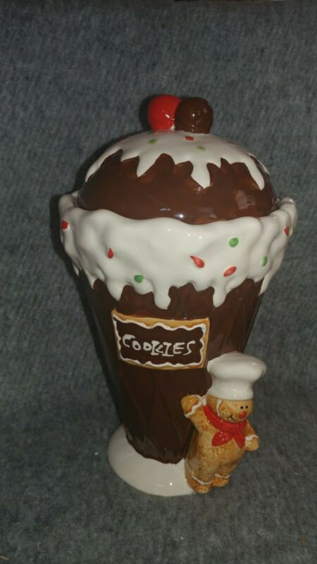 Christmas Gingerbread Cookie Jar By Tii Collections Number W7396  With box