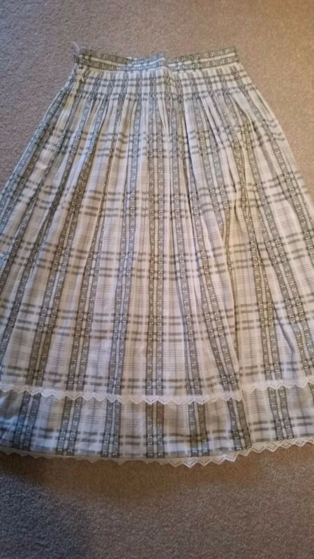 Light Green & White Skirt size 40 or US 12 by Wila Kleidung made in West Germany