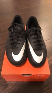 Nike Soccer Cleats size 6.5W Or 5Y