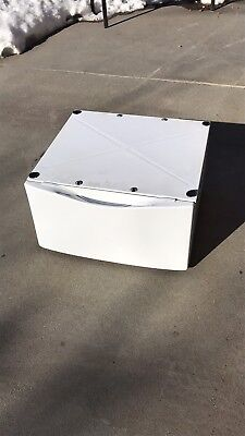 Whirlpool Duet Pedestal for Washer or Dryer
