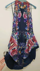 Amazing Cameo The Label Dress Size M