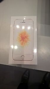 iPhone SE 16GB Gold and Unlocked