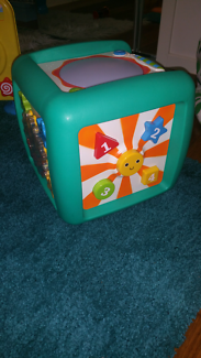 EARLY LEARNING CENTRE ACTIVITY CUBE.