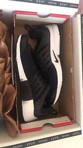 Nike Air Presto Black and White US 10