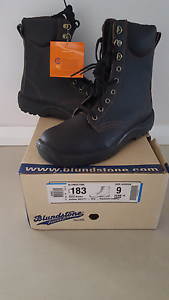Safety Boots (brand new) - Blundstone Size AUS 9 Hammond Park Cockburn Area Preview