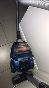 Electrolux Cyclonic Vacuum Chermside Brisbane North East Preview