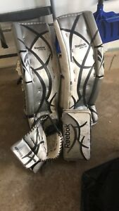 HOCKEY Reebok Revoke 9000 Senior Pads, Glove, Blocker 35+2
