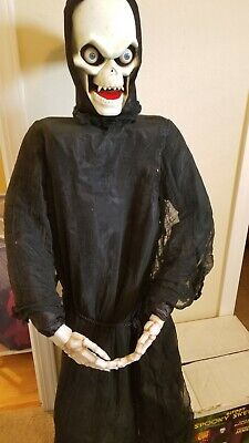RARE Life size gemmy spooky skeleton Halloween Animated prop