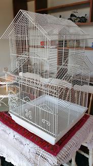 White house style bird cage