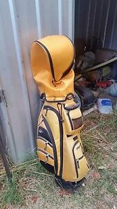 Full club set, bag and caddy Downer North Canberra Preview
