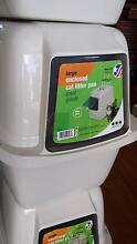 Enclosed CAT LITTER BIN new Mermaid Waters Gold Coast City Preview
