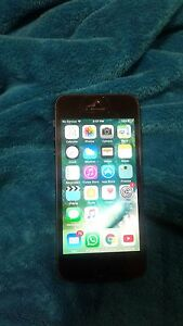 Excellent iPhone 5 32gb with otterbox