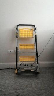 Foldable domestic / household 3 step ladder