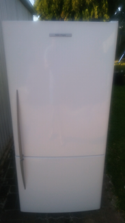 Fisher and paykel Upside down 520L Fridge/Freezer