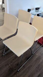 "Set 4 Chaises ""Bernhard"" Ikea"