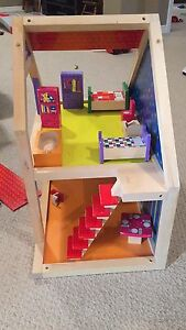 Wooden dollhouse Peterborough Peterborough Area image 2