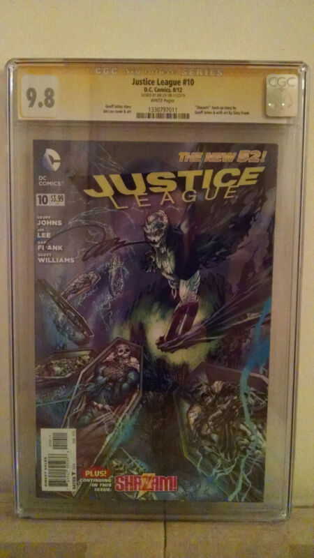 Justice League #10 CGC 9.8 Jim Lee Signed
