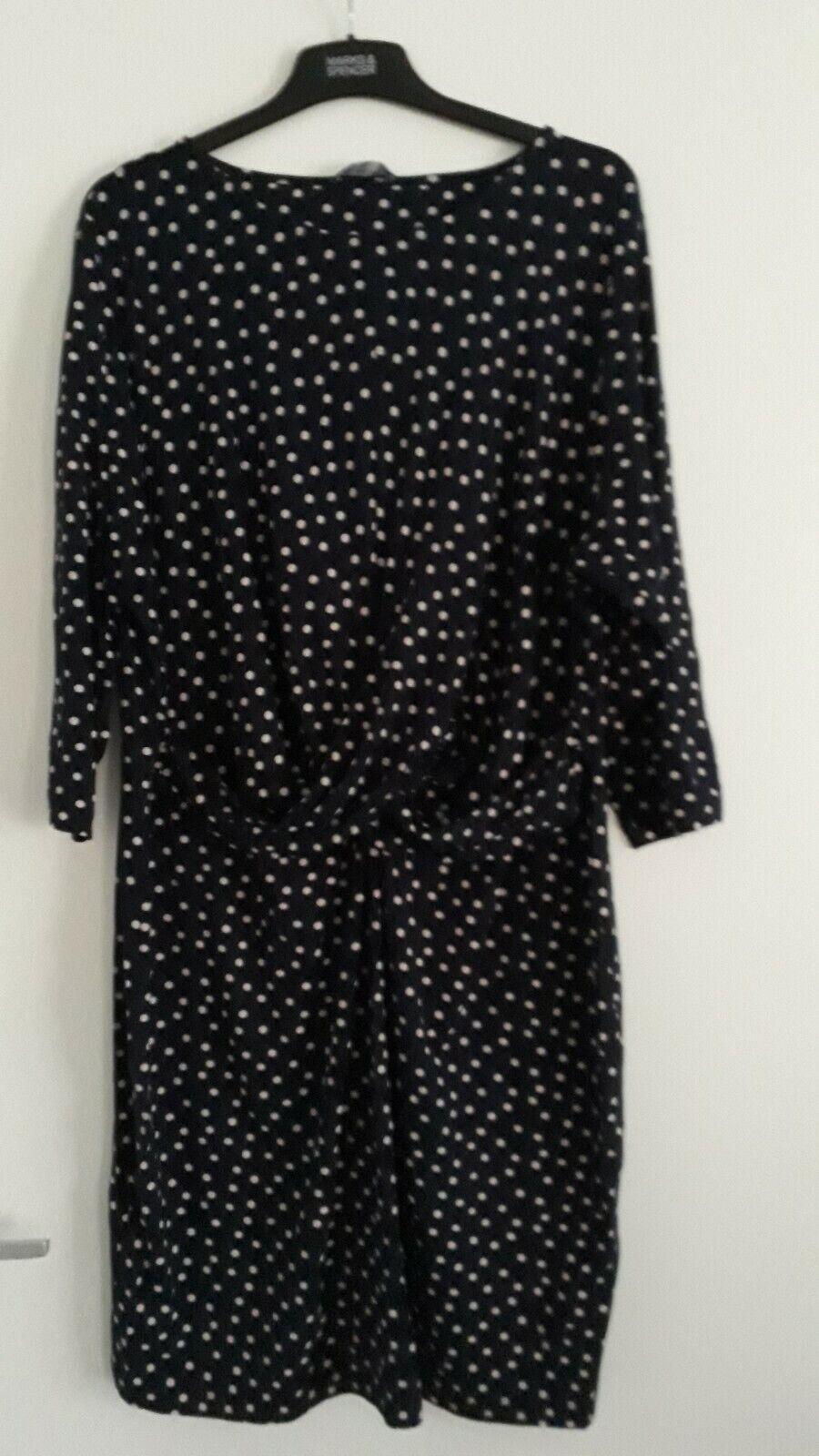 Marks & Spencer BNWT Drape Waist Navy & Cream Stretch Spot Dress Size 22
