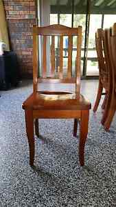 Table and 6 Chairs Shoalhaven Heads Shoalhaven Area Preview