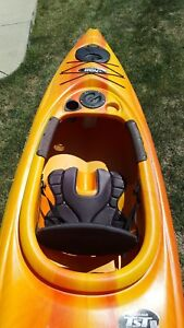 Pelican Quest 100 Kayak with paddle