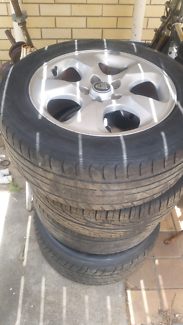 Jaguar s type  mag wheels with tyres 225 55 16