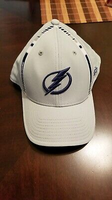 online store 3bfb9 8339a Tampa Bay Lightning NHL Cap Hat Embroidered Fitted L XL Reebok Polyester  Hockey