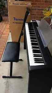Yamaha  weighted digital piano p-85 Dunlop Belconnen Area Preview